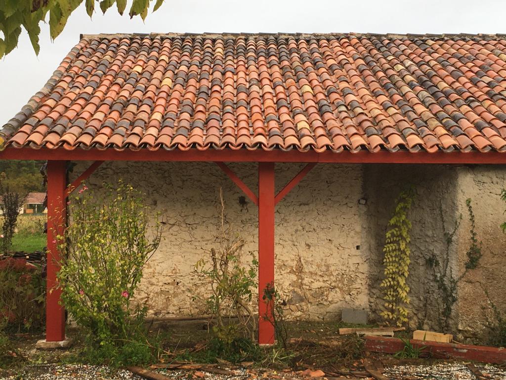 Avant/Après: rénovation d'une toiture en tuiles anciennes - Franck Juin Design & Works